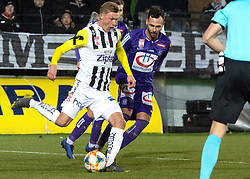 22.02.2019, TGW Arena, Pasching, AUT, 1. FBL, LASK vs FK Austria Wien, 19. Runde, im Bild v.l. Thomas Goiginger (LASK), Michael Madl (FK Austria Wien) // during the tipico Bundesliga 19th round match between LASK and FK Austria Wien at the TGW Arena in Pasching, Austria on 2019/02/22. EXPA Pictures © 2019, PhotoCredit: EXPA/ Reinhard Eisenbauer