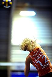 19-04-2008 VOLLEYBAL: AMVJ - DELA MARTINUS: AMSTELVEEN<br /> Martinus wint ook de derde wedstrijd in de best of 7 en is nog een overwinning verwijderd van het landskampioenschap / Manon Flier<br /> &copy;2008-WWW.FOTOHOOGENDOORN.NL
