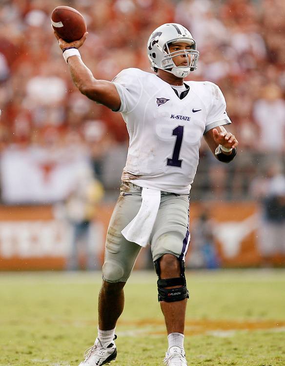 AUSTIN, TX - SEPTEMBER 29: Josh Freeman #1 of the Kansas State Wildcats against the Texas Longhorns on September 29, 2007 at Darrell K. Royal-Texas Memorial Stadium in Austin, Texas. Kansas State defeated Texas 41-21.(Photo by Rob Tringali/Sportschrome) *** Local Caption *** Josh Freeman