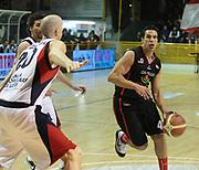 DESCRIZIONE : Lodi Lega A2 2009-10 Campionato UCC Casalpusterlengo - Riviera Solare RN<br /> GIOCATORE : German Scarone<br /> SQUADRA : Riviera Solare RN<br /> EVENTO : Campionato Lega A2 2009-2010<br /> GARA : UCC Casalpusterlengo Riviera Solare RN<br /> DATA : 14/03/2010<br /> CATEGORIA : Palleggio<br /> SPORT : Pallacanestro <br /> AUTORE : Agenzia Ciamillo-Castoria/D.Pescosolido