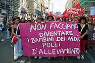 Roma 6 Settembre 2011.Manifestazione del sindacato CGIL contro la manovra del governo Berlusconi. Le lavoratrici dei nidi d'infanzia.