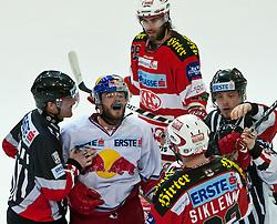 07.04.2011, Volksgarten Arena, Salzburg, AUT, EBEL, FINALE, EC RED BULL SALZBURG vs EC KAC, im Bild Brent Aubin, (EC RED BULL SALZBURG, #26), mit ein wenig netter Worte gegen Michael Siklenka, (EC KAC, #23) // during the EBEL Eishockey Final, EC RED BULL SALZBURG vs EC KAC at the Volksgarten Arena, Salzburg, 2011-04-07, EXPA Pictures © 2011, PhotoCredit: EXPA/ J. Feichter