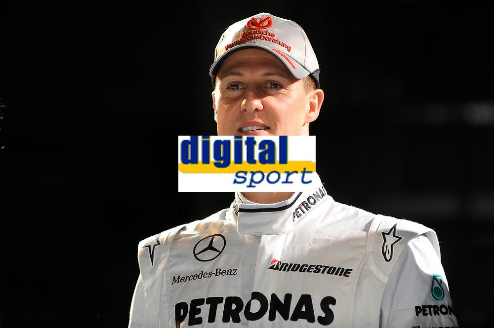 MOTORSPORT - F1 2010 - MERCEDES GP PETRONAS F1 TEAM LAUNCH - STUTTGART (GER) - 25/01/2010 - PHOTO : PICTURE ALLIANCE / DPPI<br /> MICHAEL SCHUMACHER (GER) - AMBIANCE PORTRAIT