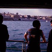 Istanbul, T&uuml;rkei/Turkey.F&auml;hre von Emin&ouml;n&uuml; (Europa) nach Haydarpasa(Asien). Blick nach Karak&ouml;y. Ferry from Emin&ouml;n&uuml;(Europe) to Haydarpasa(Asia). View to Karak&ouml;y.<br /> &copy; 05/2012 Harald Krieg / Agentur Focus