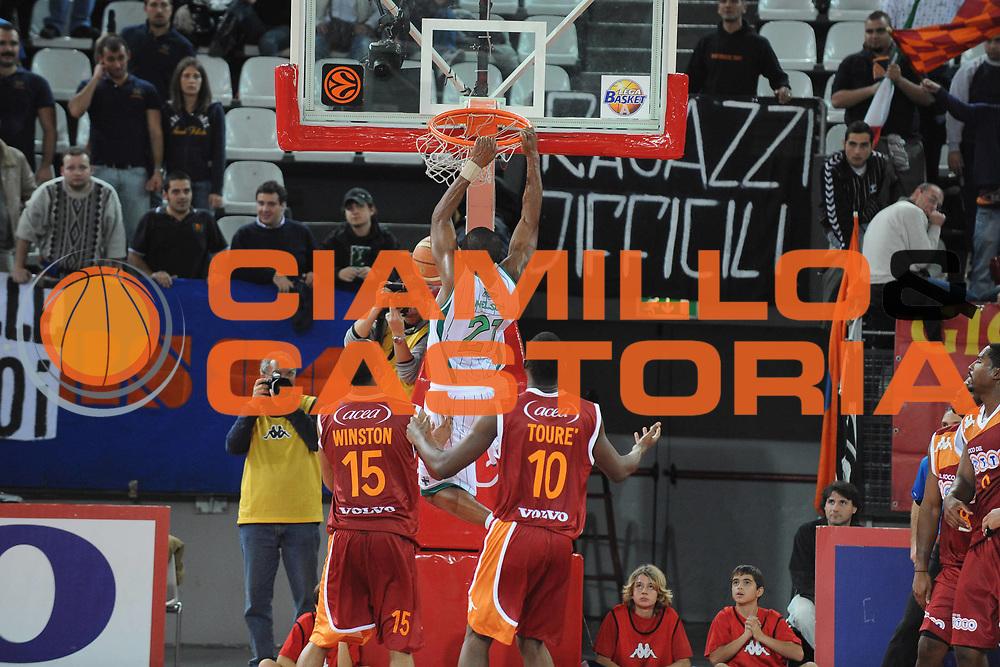 DESCRIZIONE : Roma Lega A 2009-10 Basket Lottomatica Virtus Roma Air Avellino<br /> GIOCATORE : De Marcus Nelson<br /> SQUADRA : Air Avellino <br /> EVENTO : Campionato Lega A 2009-2010<br /> GARA : Lottomatica Virtus Roma Air Avellino<br /> DATA : 25/10/2009<br /> CATEGORIA : schiacciata<br /> SPORT : Pallacanestro<br /> AUTORE : Agenzia Ciamillo-Castoria/G.Ciamillo