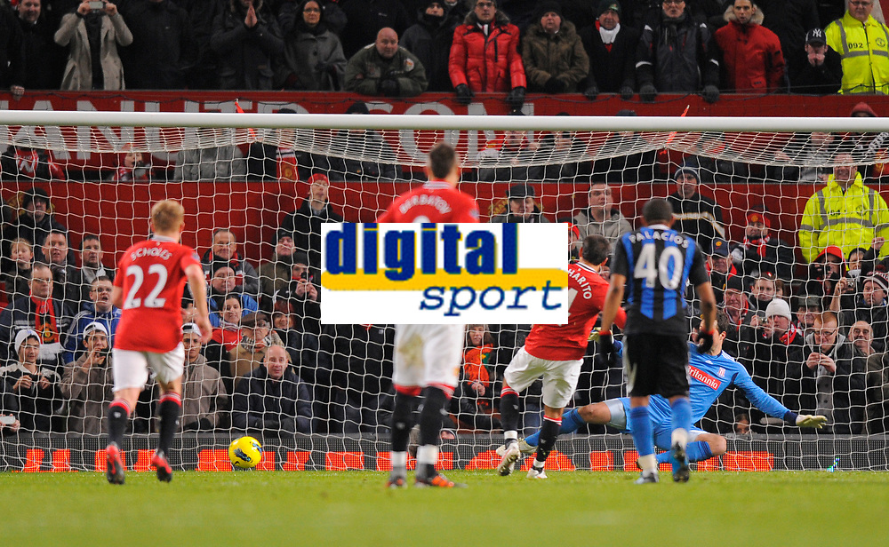 20120131: MANCHESTER, UK - Barclays Premier League 2011/2012: Manchester United vs Stoke City.<br /> In photo: Javier Hernandez of Manchester United scores the first goal from the penalty spot.<br /> PHOTO: CITYFILES