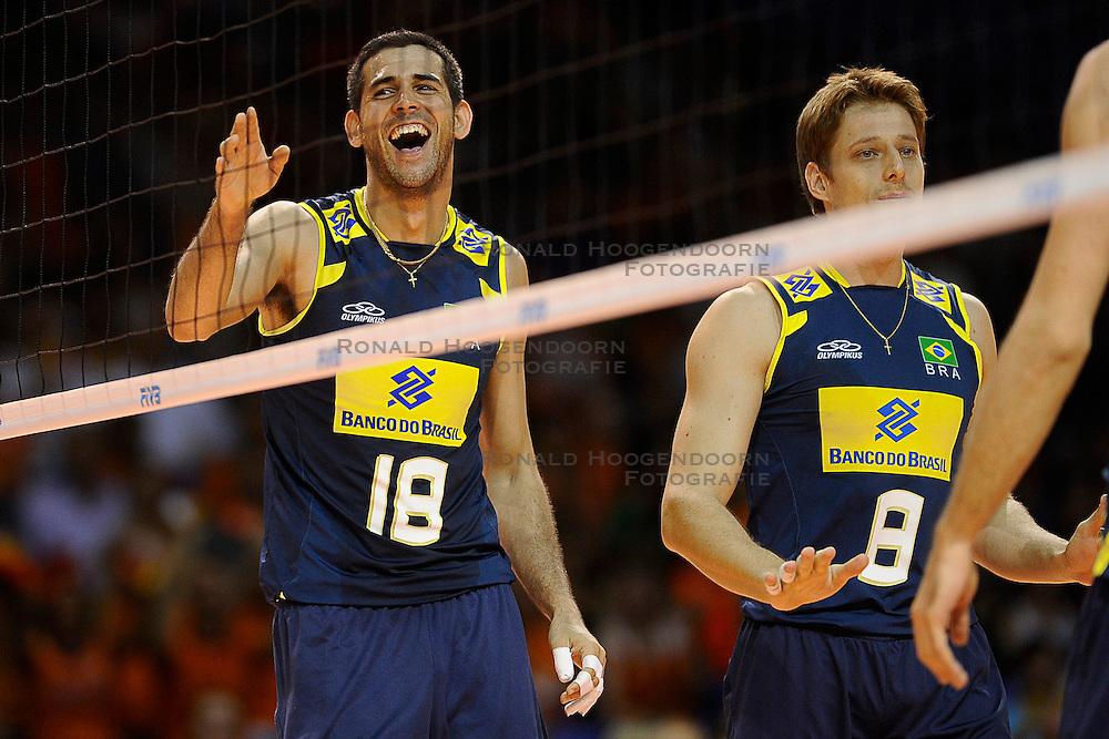27-06-2010 VOLLEYBAL: WLV NEDERLAND - BRAZILIE: ROTTERDAM<br /> Nederland verliest met 3-2 van Brazilie / Dante en Murilo<br /> &copy;2010-WWW.FOTOHOOGENDOORN.NL