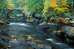 The bridge at Packers Falls on the Lamprey River.  Durham, NH