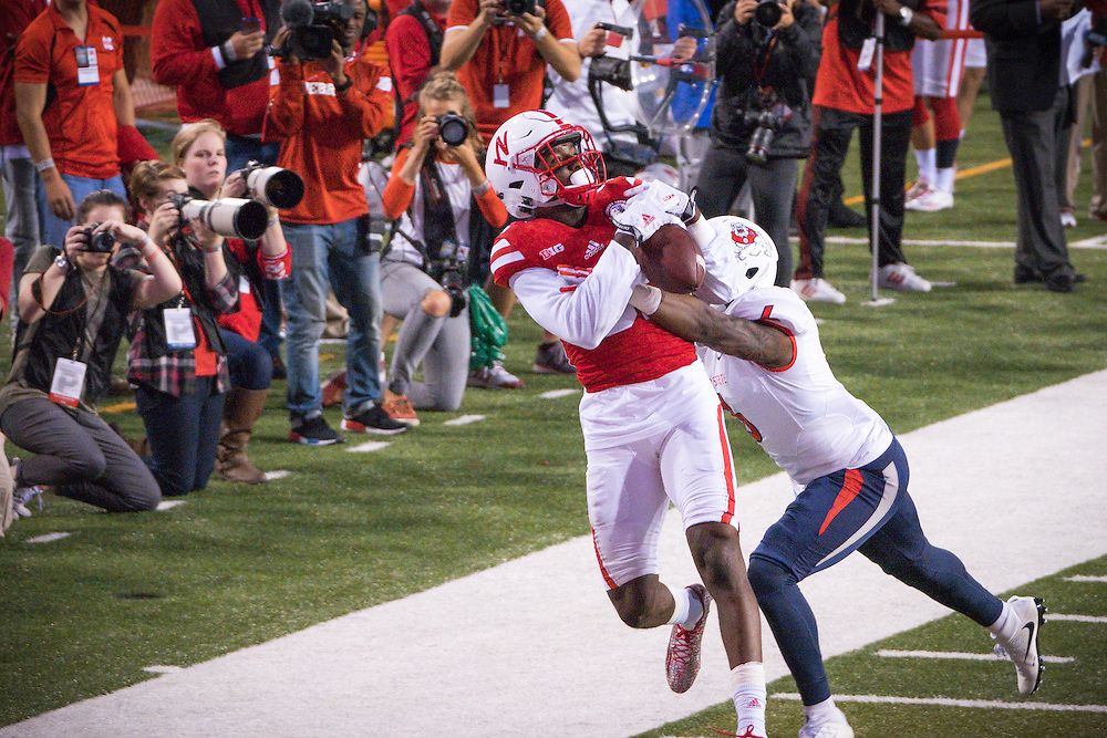 Alonzo Moore #82 of the Nebraska Cornhuskers tries to catch a pass during their game against  Fresno State at Memorial Stadium on September 3, 2016 in Lincoln Neb. Photo by Eric Francis for Hail Varsity