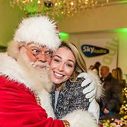 NLD/Amsterdam/20161207 - 8e Sky Radio's Christmas Tree For Charity, Renate Gerschtanowitz en de kerstman