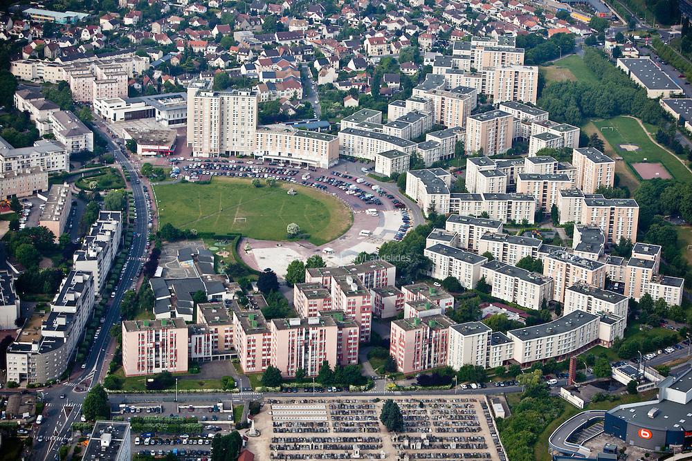 Villiers-sur-Marne, département du Val-de-Marne (94), cité des Hautes-Noues, context within larger community.