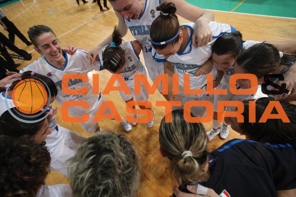 DESCRIZIONE : Priolo Additional Qualification Round Eurobasket Women 2009 Italia Belgio<br /> GIOCATORE : Team Nazionale Italiana<br /> SQUADRA : Nazionale Italia Donne<br /> EVENTO : Qualificazioni Eurobasket Donne 2009<br /> GARA :  Italia Belgio<br /> DATA : 16/01/2009<br /> CATEGORIA : Ritratto Esultanza<br /> SPORT : Pallacanestro<br /> AUTORE : Agenzia Ciamillo-Castoria/G.Ciamillo