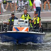 NLD/Amsterdam/20180604 - Gaypride 2018, boot van de Amsterdamse waterpolitie