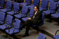 10 MAR 2005, BERLIN/GERMANY:<br /> Ludger Vollmer, MdB, B90/Gruene, Staatsminister a.D., sitzt allein in den Reihen der Fraktion von B90/Gruene, Bundestagsdebatte zur Wirtschafts- und Arbeitsmarktpolitik, Plenum, Deutscher Bundestag<br /> IMAGE: 20050310-01-051