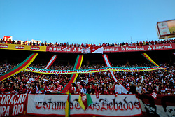 Torcida colorada durante a partida entre as equipes do Internacional e Caxias, valida pela final do Campeonato Gaucho, no Estadio Beira Rio, em Porto Alegre. FOTO: Jefferson Bernardes/Preview.com