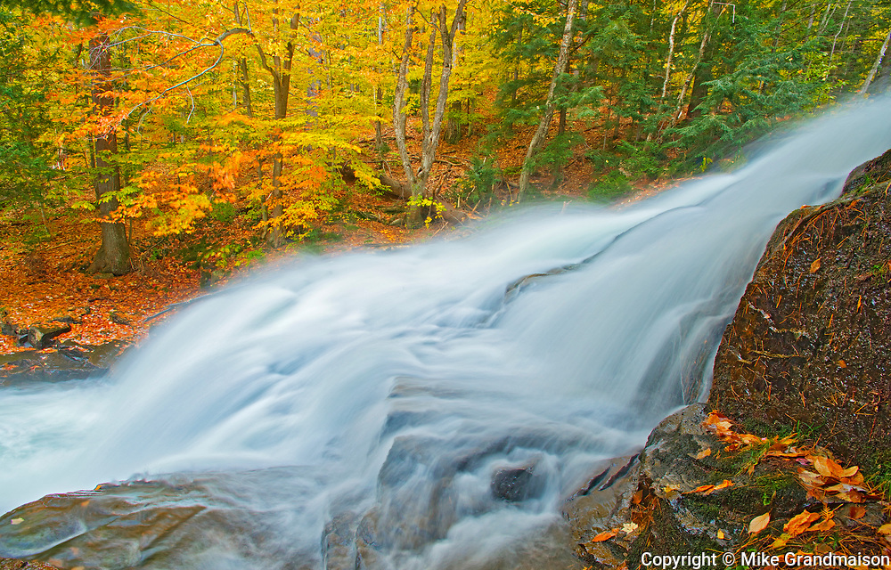 Skeleton River at Hatchery Falls in autumn, Near Rosseau, Ontario, Canada