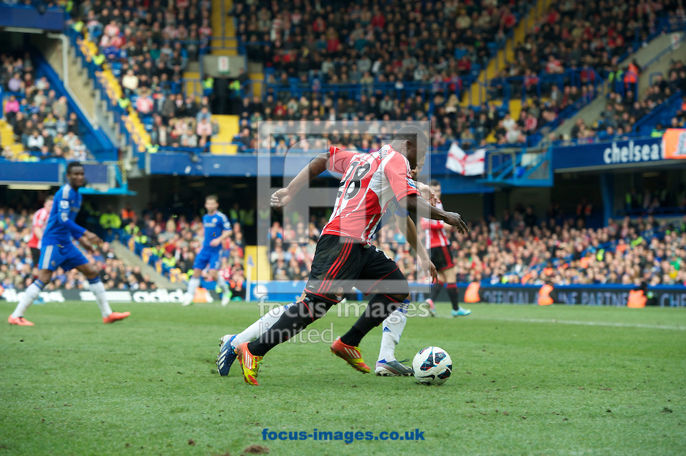 Picture by Alan Stanford/Focus Images Ltd +44 7915 056117.07/04/2013.Stephane Sessegnon of Sunderland during the Barclays Premier League match at Stamford Bridge, London.