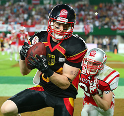 07.06.2014, Ernst Happel Stadion, Wien, AUT, American Football Europameisterschaft 2014, Finale, Oesterreich (AUT) vs Deutschland (GER), im Bild Touchdown durch Niklas Roemer, (Team Germany, WR, #84), Matthias Rebl, (Team Austria, DB, #22) // during the American Football European Championship 2014 final game between Austria and Denmark at the Ernst Happel Stadion, Vienna, Austria on 2014/06/07. EXPA Pictures © 2014, PhotoCredit: EXPA/ Thomas Haumer