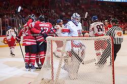 12.05.2013, Globe Arena, Stockholm, SWE, IIHF, Eishockey WM, Kanada vs Tschechische Republik, im Bild Canada Kanada jubel glädje lycka glad happy, Czech Republic (Tjeckien) 31 Goalkeeper Ondrej Pavelec // during the IIHF Icehockey World Championship Game between Canada and Czech Republic at the Ericsson Globe, Stockholm, Sweden on 2013/05/12. EXPA Pictures © 2013, PhotoCredit: EXPA/ PicAgency Skycam/ Johan Andersson..***** ATTENTION - OUT OF SWE *****