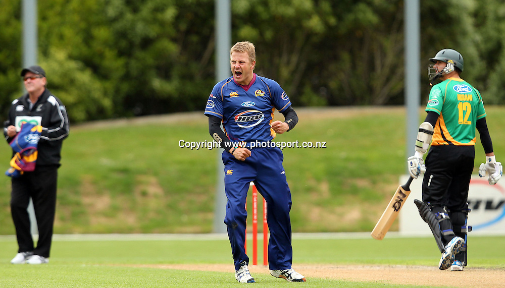 Neil Wagner celebrates taking a wicket of Jamie How.<br /> Twenty20 Cricket - HRV Cup, Otago Volts v Central Stags, 18 December 2011, University Oval, Dunedin, New Zealand.<br /> Photo: Rob Jefferies/PHOTOSPORT