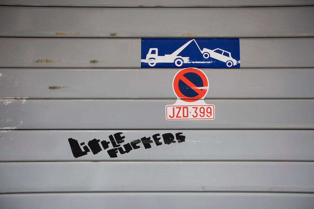 Belgie. Brussel, 18 juli 2007.<br /> Verboden parkeren.<br /> Foto Martijn Beekman <br /> NIET VOOR TROUW, AD, TELEGRAAF, NRC EN HET PAROOL