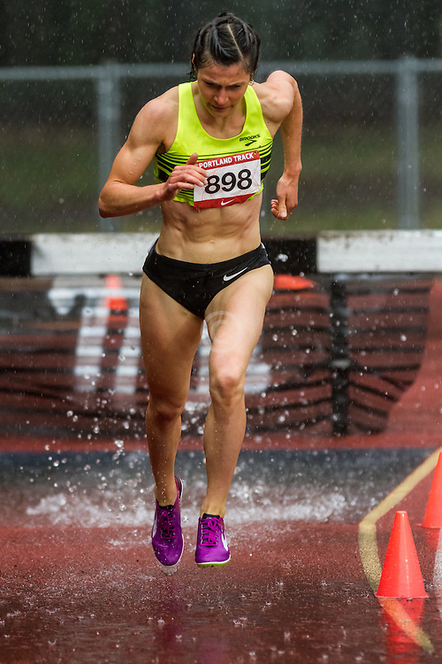 Franek, Bridget Team Run Eugene Women's 3,000m  Steeplechase