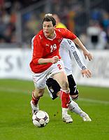 Stephan Lichtsteiner (SUI) gegen Bastian Schweinsteiger (GER) © Andy Mueller/EQ Images