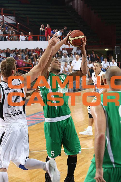 DESCRIZIONE : Caserta Lega A 2009-10 Basket Amichevole Trofeo Irtet Citta di Caserta Pepsi Juve Caserta Air Avellino<br /> GIOCATORE : Chevon Troutman<br /> SQUADRA : Air Avellino<br /> EVENTO : Campionato Lega A 2009-2010 <br /> GARA : Pepsi Juve Caserta Air Avellino<br /> DATA : 26/09/2009<br /> CATEGORIA : penetrazione tiro fallo<br /> SPORT : Pallacanestro <br /> AUTORE : Agenzia Ciamillo-Castoria/C.De Massis