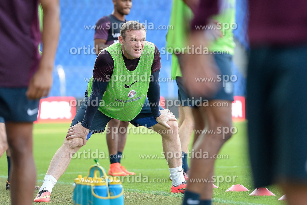 07.09.2014, St. Jakob Park, Basel, SUI, UEFA Euro Qualifikation, Schweiz vs England, Training, Gruppe E, im Bild Wayne Rooney (ENG) trainiert im St.Jakob Park // during a Trainingsession in front of the UEFA EURO qualification group E match Switzerland and England at the St. Jakob Park in Basel, Switzerland on 2014/09/07. EXPA Pictures © 2014, PhotoCredit: EXPA/ Freshfocus/ Daniela Frutiger<br /> <br /> *****ATTENTION - for AUT, SLO, CRO, SRB, BIH, MAZ only*****