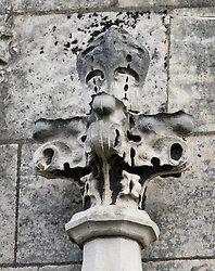 © Licensed to London News Pictures. 08/09/2016. London, UK. Water and weather damage is seen on stonework at Parliament.  A Parliamentary committee is recommending that MPs and Peers move out to enable much needed repairs to the crumbling infrastructure of the Medieval and Victorian Palace of Westminster. Photo credit: Peter Macdiarmid/LNP