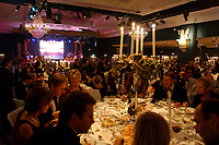 22 NOV 2002, BERLIN/GERMANY:<br /> Uebersicht Saal Potsdam, Bundespresseball 2002 unter dem Motto Staats-Theater, Hotel Interconti<br /> IMAGE: 20021122-01-033<br /> KEYWORDS: Ball, Tanz, Presseball, Übersicht