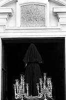 Processione dei Misteri a Taranto si concude con l'ingresso delle statue nella Chiesa del Carmine