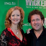 NLD/Scheveningen/20111106 - Premiere musical Wicked, Hilke Bierman en partner Thijs van Aken