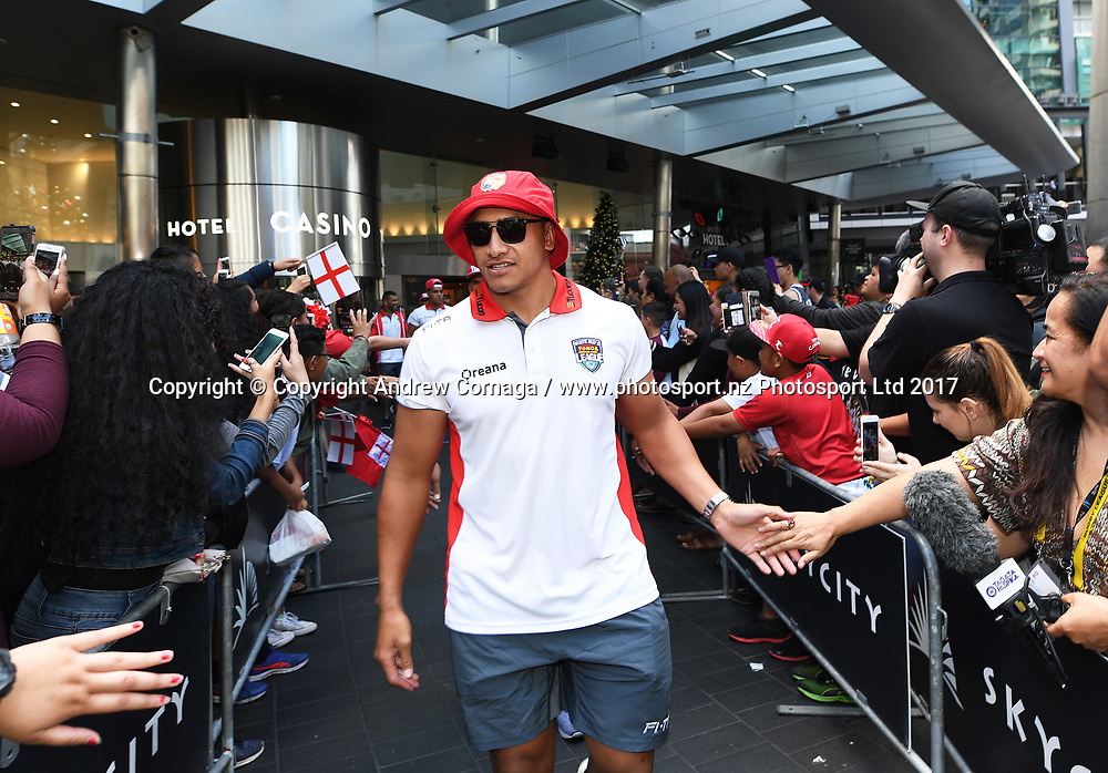 Tonga's Sio Siua Taukieaho with fans during a fan and signing session at Sky City ahead of the semi final this weekend in Auckland. Rugby League World Cup 2017. RLWC2017. New Zealand. Tuesday 21 November 2017 © Copyright Photo: Andrew Cornaga / www.Photosport.nz