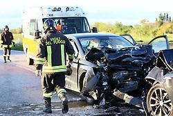 INCIDENTE SCONTRO FRONTALE AUTO A MAROZZOVIGILI DEL FUOCO POMPIERI DI CODIGORO<br /> INCIDENTE SCONTRO FRONTALE AUTO A MAROZZO