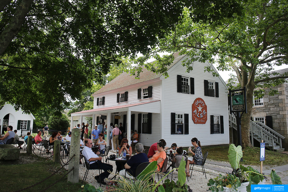 The Spouter Tavern on the historic waterfront at Mystic seaport. Mystic, Connecticut. 21st July 2013. Photo Tim Clayton