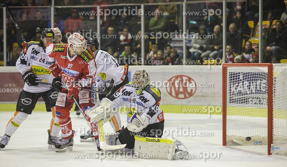 18.12.2015, Stadthalle, Klagenfurt, AUT, EBEL, EC KAC vs Dornbirner Eishockey Club, 32. Runde, im Bild Michael Caruso (Dornbirner Eishockey Club, #24), Thomas Pöck (EC KAC, #22), Jean-François Jacques (EC KAC, #39), Kyle Greentree (Dornbirner Eishockey Club, #14), Florian Hardy (Dornbirner Eishockey Club, #49) // during the Erste Bank Eishockey League 32nd round match match betweeen EC KAC and Dornbirner Eishockey Club at the City Hall in Klagenfurt, Austria on 2015/12/18. EXPA Pictures © 2015, PhotoCredit: EXPA/ Gert Steinthaler