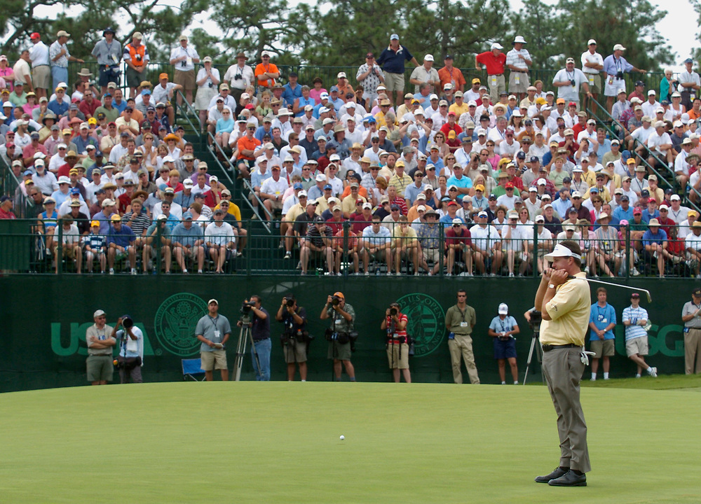PINEHURST, NORTH CAROLINA - JUNE 17, 2005<br /> Phil MICKELSON during the 2nd Round of the 2005 U.S. Open Championship, held at Pinehurst No.2 in the Village of Pinehurst, North Carolina.