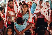 Chiapas, Acteal. Anniversario del massacro avvenuto il 22 dicembre 1997, quando i paramilitari fecero letteralmente a pezzi quarantacinque campesinos maya, appartenenti al gruppo pacifista di Las Abejas, le Api, vecchi, donne e bambini compresi.