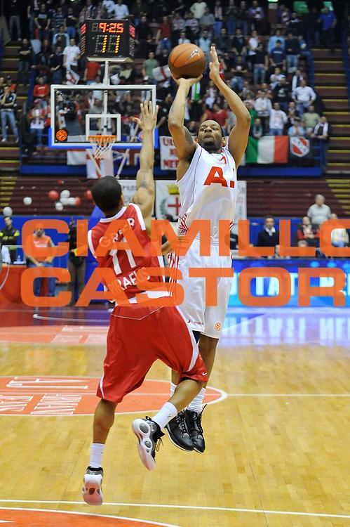 DESCRIZIONE : Milano Eurolega 2008-09 Armani Jeans Milano Olympiacos Piraeus<br /> GIOCATORE : Mike Hall<br /> SQUADRA : Armani Jeans Milano<br /> EVENTO : Eurolega 2008-2009<br /> GARA : Armani Jeans Milano Olympiacos Piraeus<br /> DATA : 29/01/2009<br /> CATEGORIA : Tiro<br /> SPORT : Pallacanestro<br /> AUTORE : Agenzia Ciamillo-Castoria/A.Dealberto<br /> Galleria : Eurolega 2008-2009<br /> Fotonotizia : Milano Eurolega Euroleague 2008-09 Armani Jeans Milano Olympiacos Piraeus<br /> Predefinita :