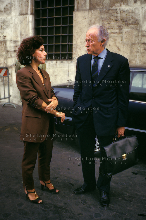 Roma, 1994.Tiziana  Parenti (Forza Italia) con Luigi Ramponi (Alleanza nazionale)