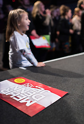 "02.12.2016, LLoonbase, Wien, AUT, Wahlkampfabschluss für die Wiederholung des zweiten Wahlgang der Präsidentschaftswahl 2016, im Bild Feature ""Mehr denn je"" Schild und Mädchen // during final election campaign rally of candidate Van der Bellen due to the austrian presidential elections in Vienna, Austria on 2016/12/02, EXPA Pictures © 2016, PhotoCredit: EXPA/ Michael Gruber"