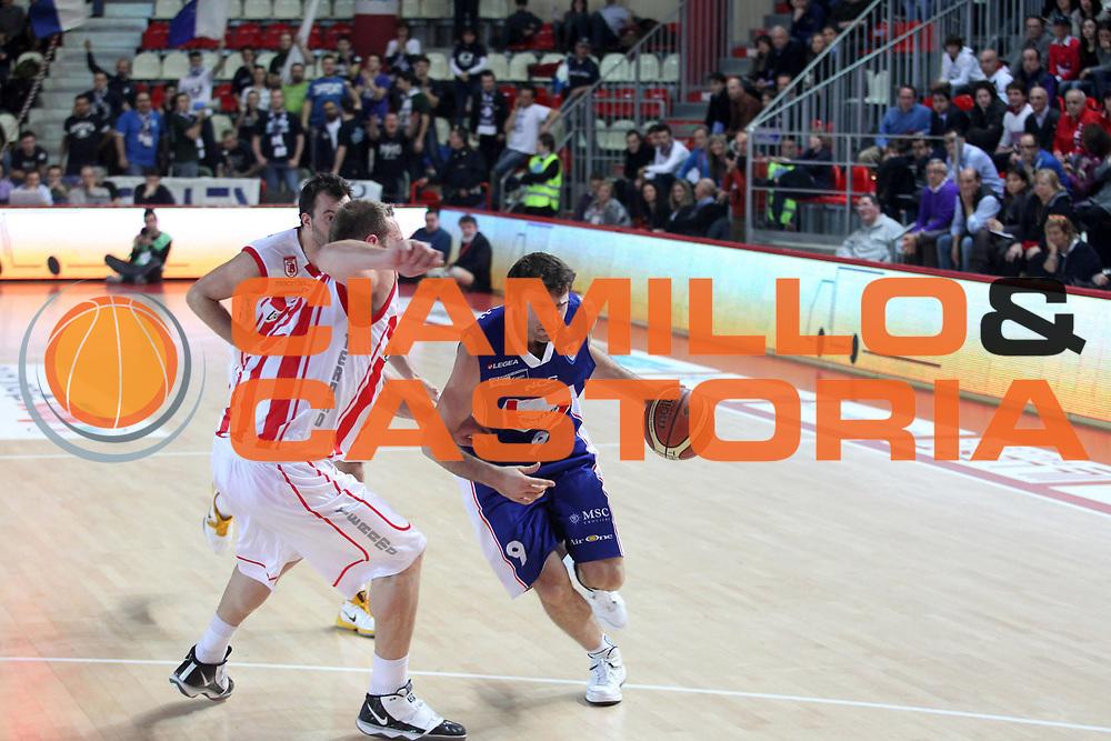 DESCRIZIONE : Teramo Lega A 2010-11 Banca Tercas Teramo Bennet Cantu'<br /> GIOCATORE : Manuchar Markoishvili <br /> SQUADRA : Bennet Cantu'<br /> EVENTO : Campionato Lega A 2010-2011<br /> GARA : Banca Tercas Teramo Bennet Cantu' <br /> DATA : 20/02/2011<br /> CATEGORIA : palleggio  <br /> SPORT : Pallacanestro <br /> AUTORE : Agenzia Ciamillo-Castoria/A.Ciucci<br /> GALLERIA: Lega Basket 2011 -2011<br /> FOTONOTIZIA: Teramo Basket Serie A 2010-11 Banca Tercas Teramo Bennet Cantu'<br /> PREDEFINITA: