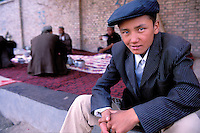 Chine. Province du Sinkiang (Xinjiang). Kashgar (Kashi). Bazar de la vieille ville. Population Ouigour. Marché du dimanche. // China. Sinkiang Province (Xinjiang).  Kashgar (Kashi). Old city bazar. Ouigour population. Sunday market.