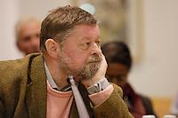 """11 MAR 2005, BERLIN/GERMANY:<br /> Hans Wilhelm Sotrop, Bundesvorsitzender, Bundesverband bildender Kuenstlerinnen und Kuenstler, 4. Kulturwerkstatt des Gespraechskreises Kultur und Politik des Forum Ostdeutschland der Sozialdemokratie e.V. zum Thema """"Zwischen Überlebenskunst und kuenstlerischem Erfolg - Zur Lage der Bildenden Kunst (nicht nur) in Ostdeutschland"""", Willy-Brandt-Haus<br /> IMAGE: 20050311-01-159"""