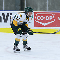 1st year forward Lilla Carpenter-Boesch (17) of the Regina Cougars in action during the Women's Hockey Homeopener on October 7 at Co-operators arena. Credit: Arthur Ward/Arthur Images