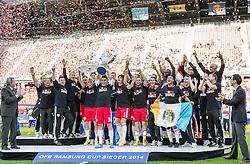 18.05.2014, Woerthersee Stadion, Klagenfurt, AUT, OeFB Samsung Cup, FC Red Bull Salzburg vs SKN St. Poelten, Finale, im Bild FC Red Bull Salzburg Jubelt nach dem Gewinn des östereichischen ÖFB Samsung Cup // during the mens OeFB Samsung Cup final match between FC Red Bull Salzburg vs SKN St. Poelten at the Woerthersee Stadium, Klagenfurt, Austria on 2014/05/18. EXPA Pictures © 2014, PhotoCredit: EXPA/ Johann Groder