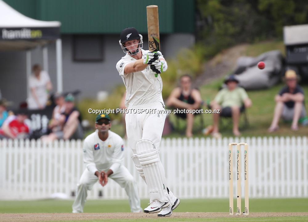 Martin Guptill batting during the first morning. New Zealand Black Caps v Pakistan, Test Match Cricket. Day 1 at Seddon Park, Hamilton, New Zealand. Friday 7 January 2011. Photo: Andrew Cornaga/photosport.co.nz