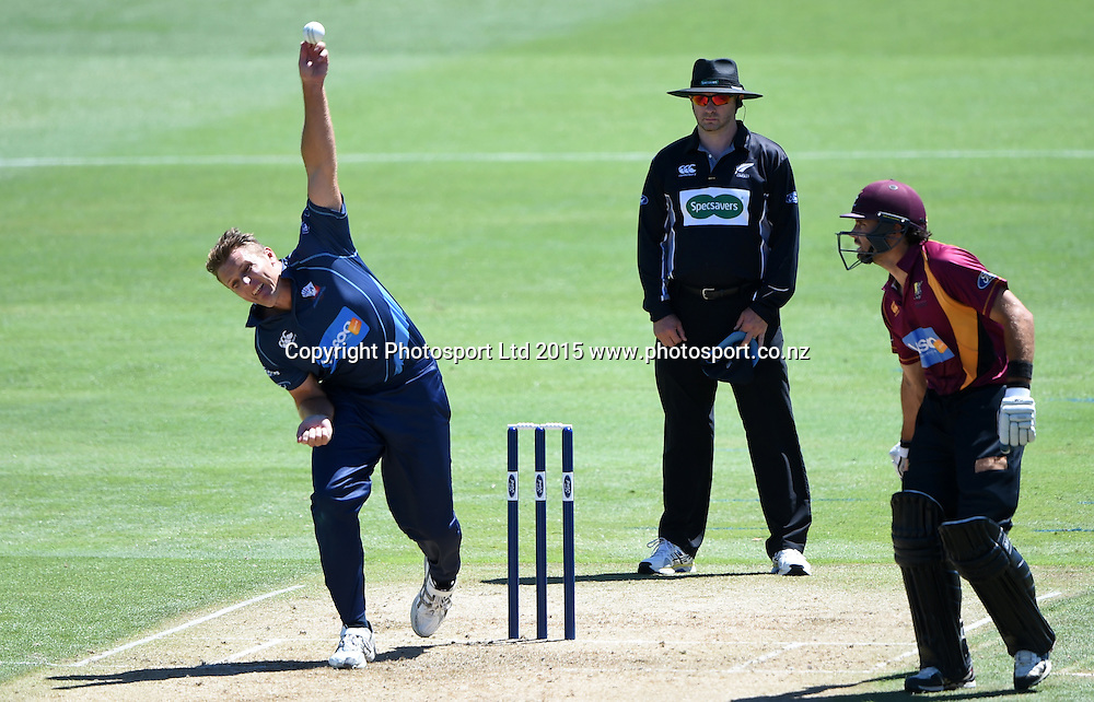 Auckland's Michael Bates bowling during the Ford Trophy one day cricket match between Auckland Aces and Northern Knights at the Eden Park Outer Oval, Auckland, New Zealand. Sunday 18 January 2015. Photo: Andrew Cornaga/www.Photosport.co.nz