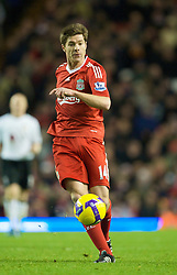 LIVERPOOL, ENGLAND - Saturday, November 22, 2008: Liverpool's Xabi Alonso in action against Fulham during the Premiership match at Anfield. (Photo by David Rawcliffe/Propaganda)